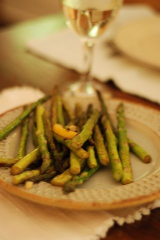 Grilled asparagus and a glass of wine